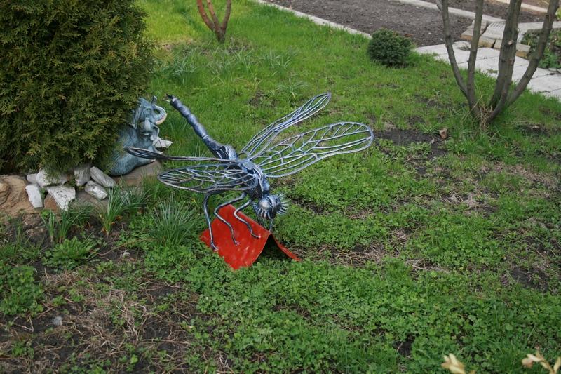 Металлические поделки в сад