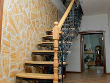 Кованые лестницы в доме