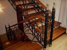 Кованые лестницы на второй этаж в частном